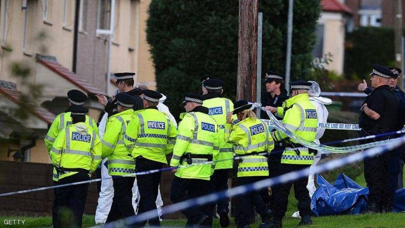 """الشرطة البريطانية تحقق في """"مادة مريبة"""" بحافلة في مانشستر"""