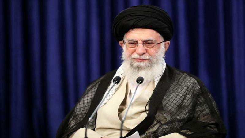 الإمام الخامنئي يوافق على استمرار عمل محاكم الثورة للبتّ في ملفات الفساد الاقتصادي