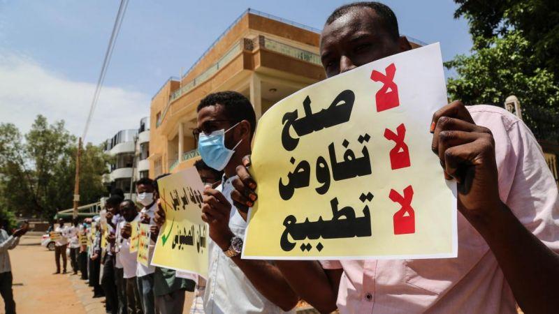 ضغوطات إماراتية سعودية لدفع السودان نحو التطبيع