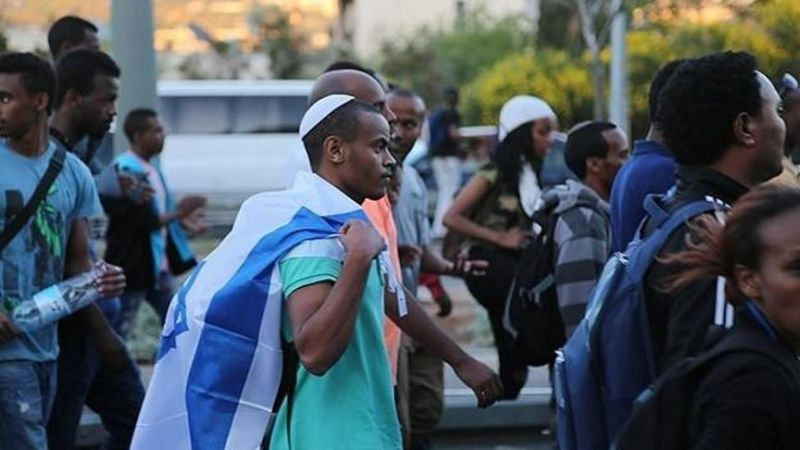 حكومة العدوّ تُصادق على جلبِ 2000 يهودي من أثيوبيا إلى الكيان الصهيوني