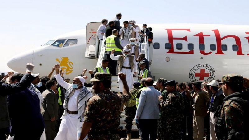 نصر يمني بانجاز تحرير الأسرى