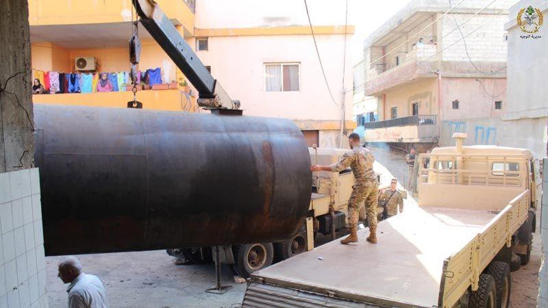 بالصور -  الجيش يحبط محاولة تهريب بنزين في وادي خالد