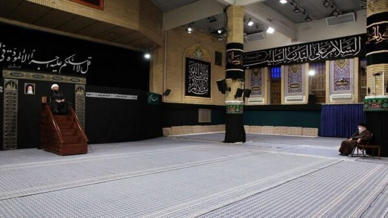 الإمام الخامنئي يحيي ذكرى رحيل الرسول الاكرم (ص) والإمام الحسن (ع)