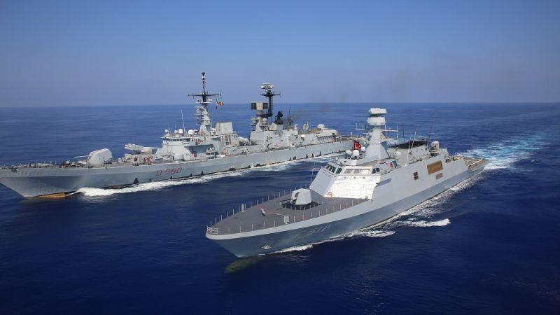 أنقرة تلوّح بالحرب وتشرع بمناورات جديدة شرق المتوسط
