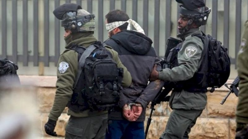 الاحتلال اعتقل 10 فلسطينيين من الضفة بينهم صحافي ومُخرج فني