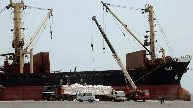منظمات أممية تُرسل شحنات من الأدوية والمواد الغذائية المنتهية الصلاحية إلى اليمن