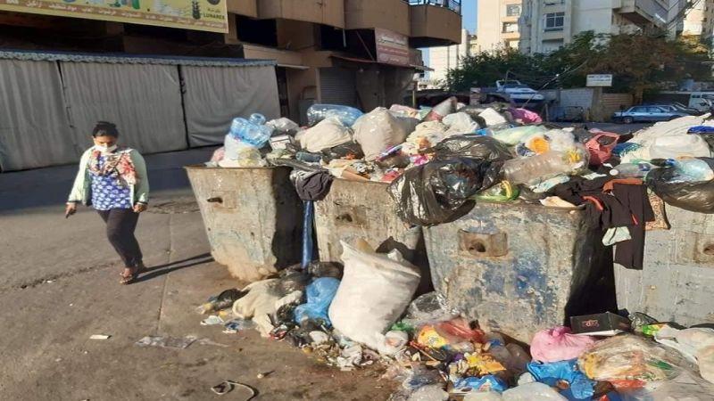تكدّس النفايات في شوارع صيدا