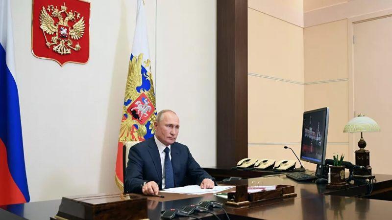 """بوتين يؤكد فعالية اللقاحين الروسيين ضد """"كوفيد-19"""""""