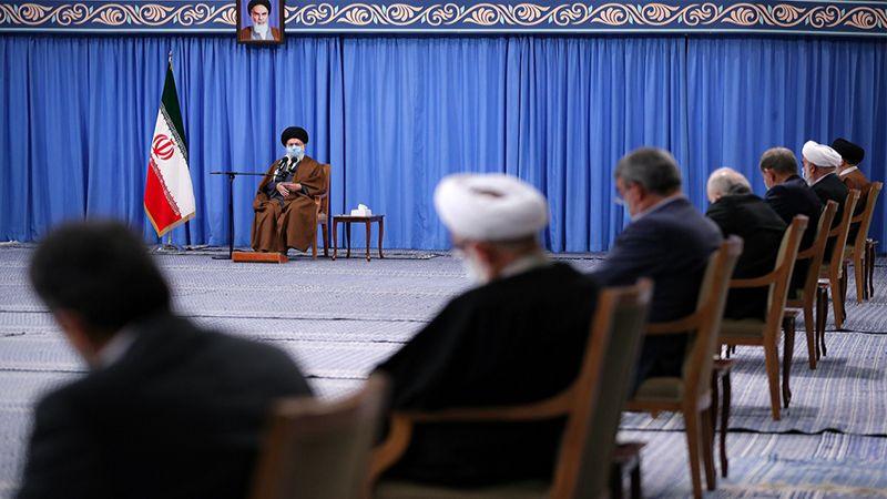 الإمام الخامنئي: نمتلك الخيارات لإحباط العقوبات