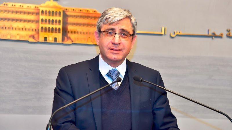 """وزير التربية: لاستكمال التعلّم المُدمج وحالات """"كورونا"""" في المدارس ستُتابع"""