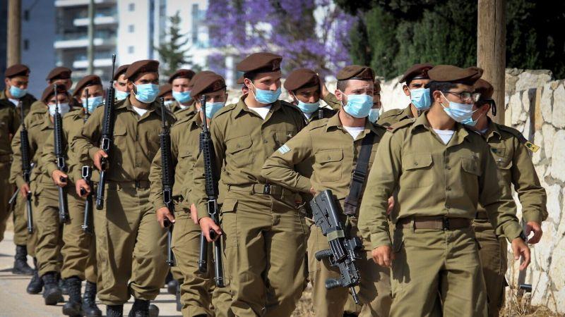 """بعد تزايد عدد الإصابات بـ""""كورونا"""" جيش العدو يستدعي جنوده إلى الثكنات"""