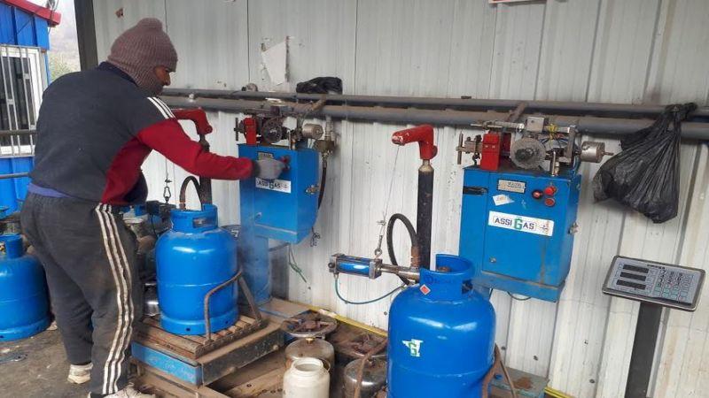 أهالي الهرمل يعانون من أزمة الغاز
