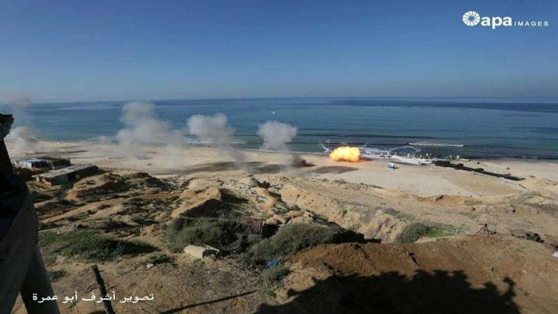 """بالصور - صواريخ المقاومة تشعل سماء غزة خلال مناورة """"الركن الشديد"""""""