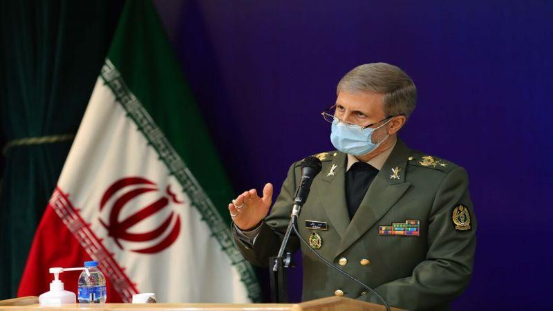 العميد حاتمي: إيران بدأت تحقيق اكتفاء ذاتي في مجال الصناعة الدفاعية