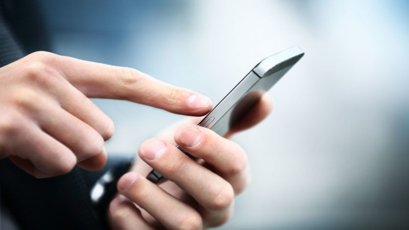 قبل أن تبيع هاتفك.. تأكد من حذف بياناتك الشخصية