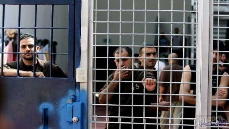 """هيئة الأسرى الفلسطينية: الأسرى في """"عصيون"""" يعانون البرد القارص ويُحرمون من الطعام"""