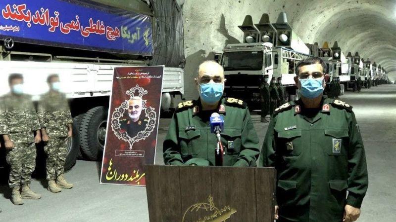 إيران تُدشّن قاعدة صاروخية على شواطئ الخليج