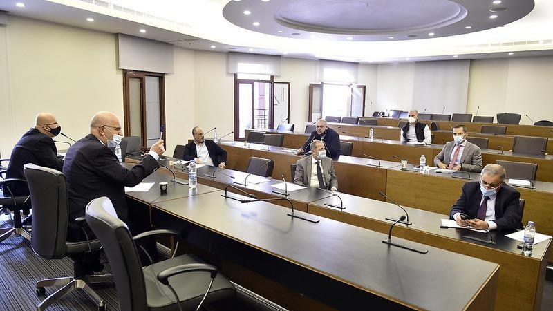 """لجنة الصحة النيابية تقرّ قانون لتسريع الحصول على لقاح """"كورونا"""""""