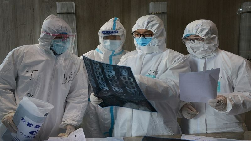 بعد عامٍ على كورونا .. خبراء منظمة الصحة إلى الصين للتحقيق في منشأه