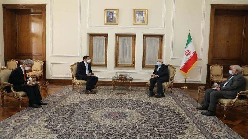 ظريف: على كوريا الجنوبية الإفراج عن الأصول الإيرانية فورًا