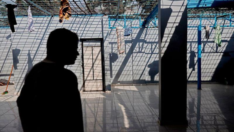 700 أسير فلسطيني مريض داخل المعتقل!