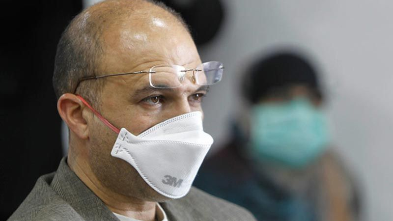 وزير الصحة يلتزم الحجر بعد إصابة ثلاثة من أفراد مكتبه