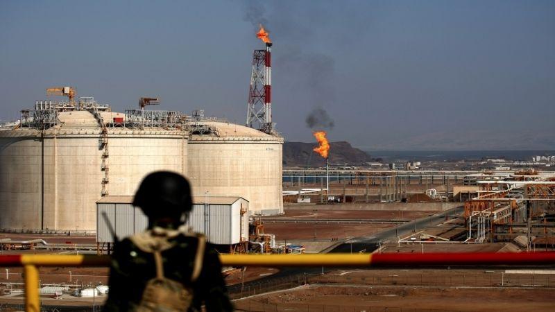 قوى العدوان تستنزف ثروة اليمن النفطية