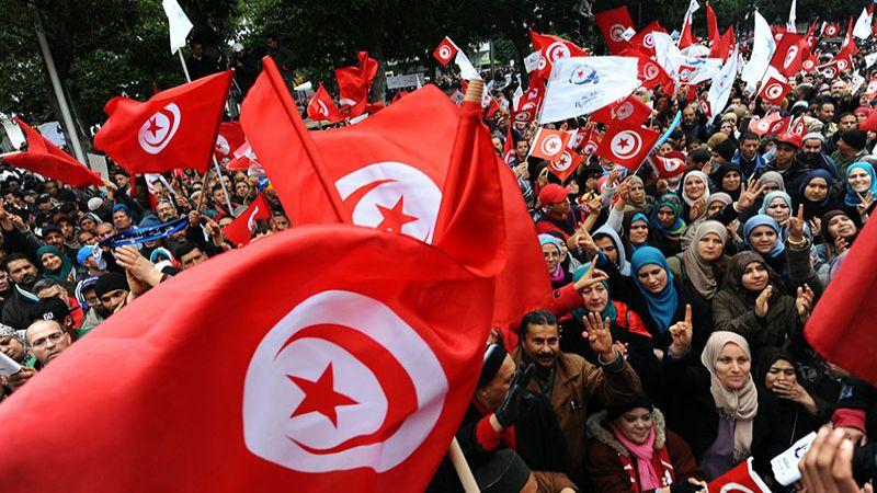 في الذكرى العاشرة للثورة التونسية: عودة الى المربع الأول