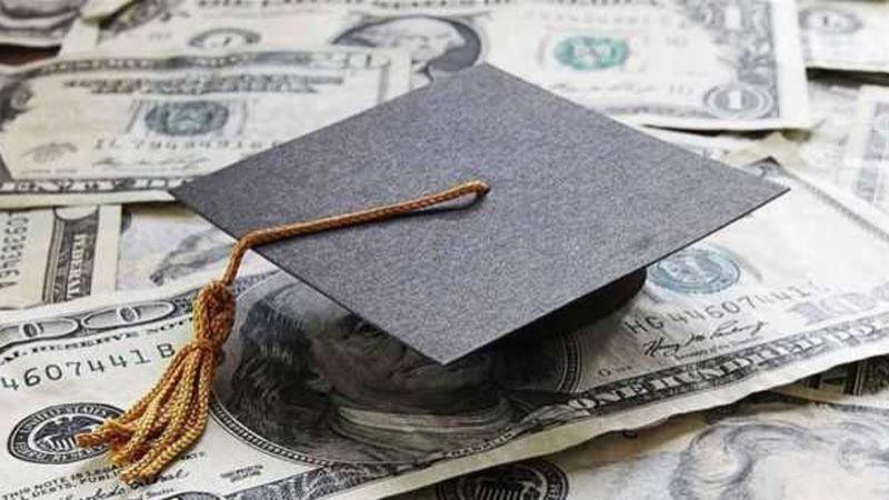 بعد المماطلة بتطبيق قانون الدولار الطالبي.. أهالي الطلاب في الخارج يجدّدون صرختهم