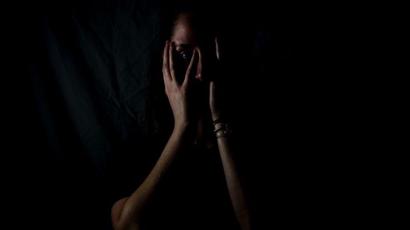 الخوف أحد أسباب الإصابة بفيروس كورونا المستجد