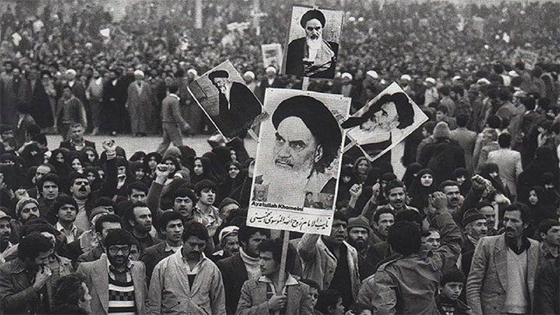 العدالة الاجتماعية في الثورة الاسلامية