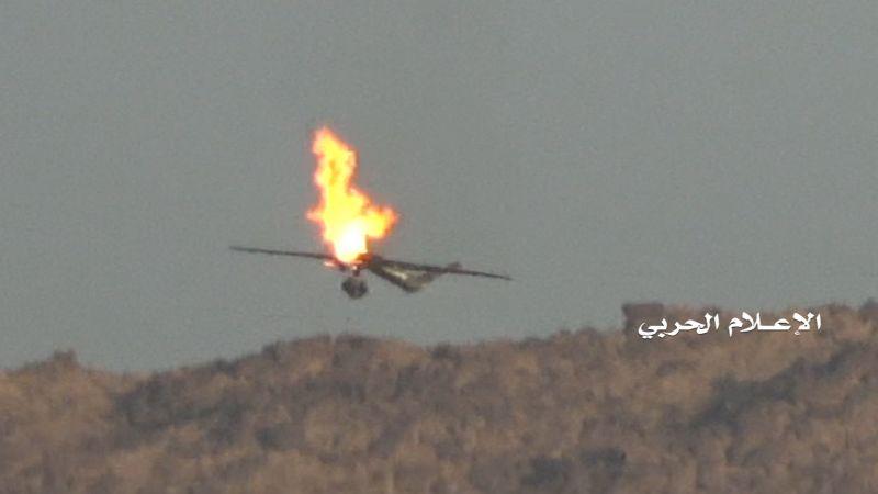 بصاروخ أرض جو لم يكشف عنه بعد.. إسقاط طائرة تجسّس للعدوان السعودي في مأرب