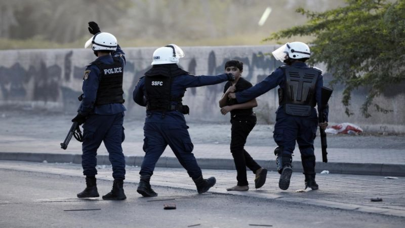 قبيل الذكرى العاشرة لثورة البحرين.. السلطات تشن حملة اعتقالات طالت فتية
