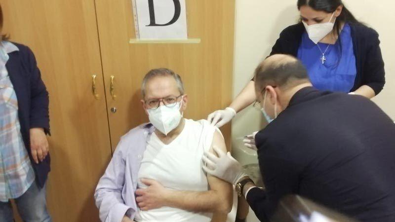 وزير الصحة من مستشفى دار الأمل الجامعي: اللقاح آمن وفعّال وعلى الجميع تسجيل أسمائهم