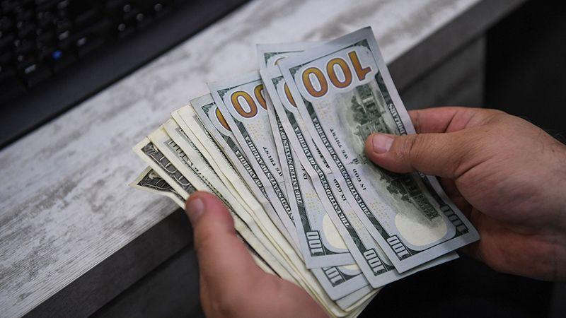 سعر صرف الدولار يتّجه صعودًا: من المسؤول؟