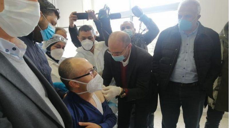 وزير الصحة أطلق التلقيح في مستشفى بعلبك الحكومي ودعا للتسجيل في المنصة