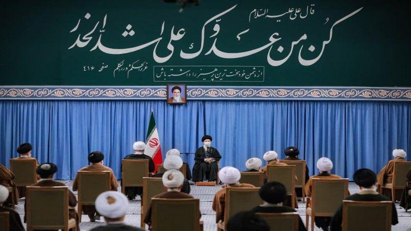 الإمام الخامنئي: لن نتنازل عن مواقفنا المنطقية في الموضوع النووي