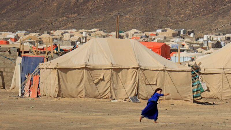 العدوان الأمريكي السعودي يستهدف مخيمات النازحين في مأرب