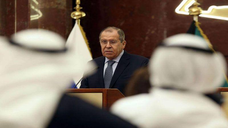 جولةٌ خليجية للافروف.. سوريا ولبنان في صُلب المحادثات