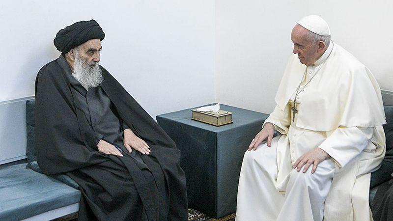 مكتب الإمام الخامنئي: مواقف السيد السيستاني الحكيمة تبعث على الفخر والإعتزاز