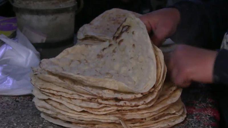"""خبز الحسكة بيد """"قسد"""" .. تجويعُ الأهالي خدمةً للأمريكي"""