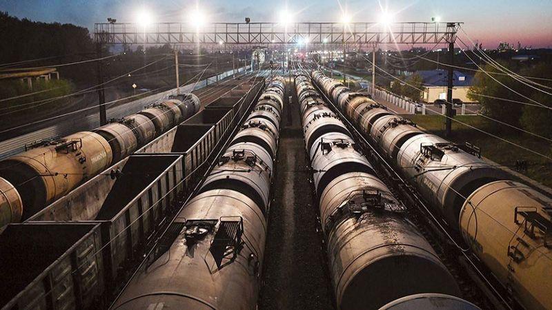 من ترومان إلى بايدن.. هكذا تضحي أمريكا بذيولها النفطية