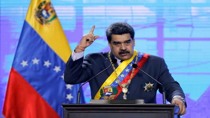 """مادورو مواجها العقوبات: """"النفط مقابل اللّقاح"""""""