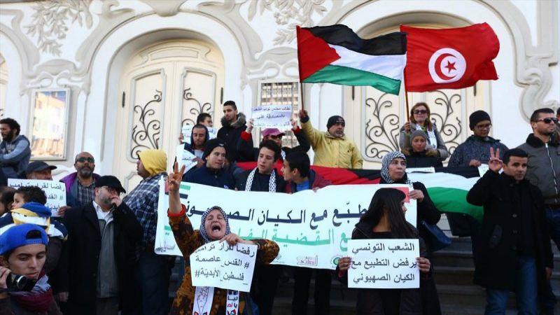 """في يوم الأرض.. فعاليات تونسية تؤكّد """"التّطبيع جريمة وخيانة"""""""