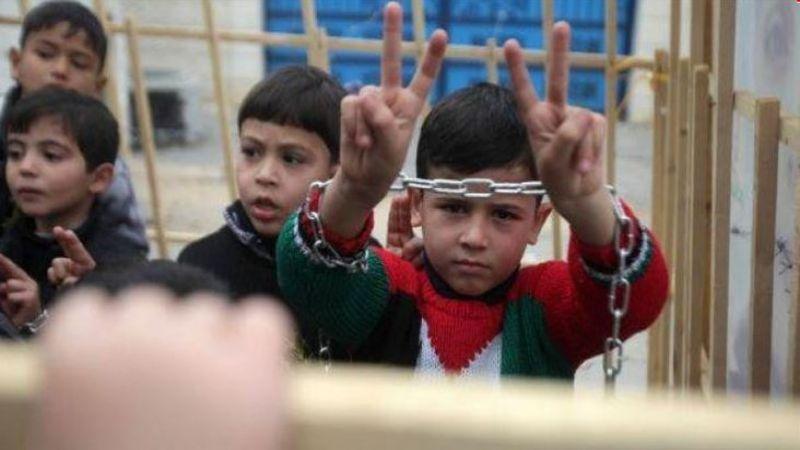 140 طفلًا فلسطينيًا بسجون الاحتلال يواجهون أوضاعًا اعتقالية قاسية