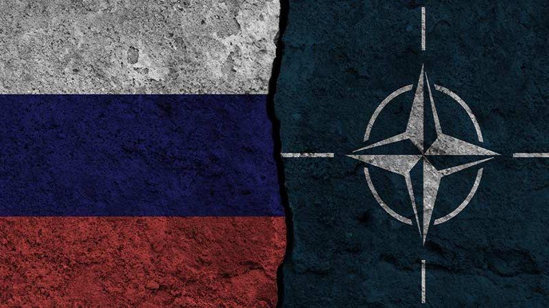 """أوكرانيا بين """"الناتو"""" وروسيا: هل تقع المواجهة؟"""