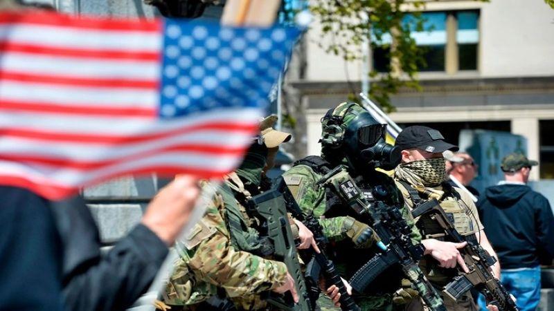 """ما العلاقة بين """"وباء العنف المسلّح"""" وصنّاع الأسلحة في أميركا؟"""