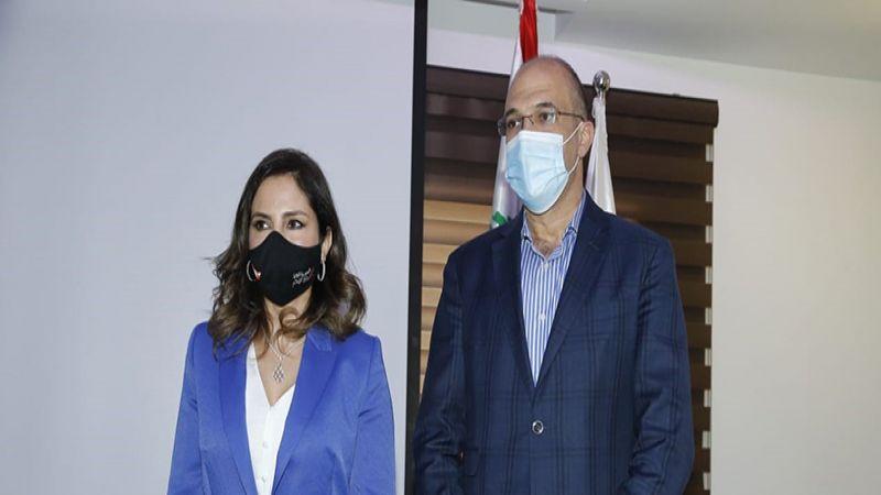 وزيرا الصحة والإعلام أطلاقا حملة التلقيح بسينوفارم