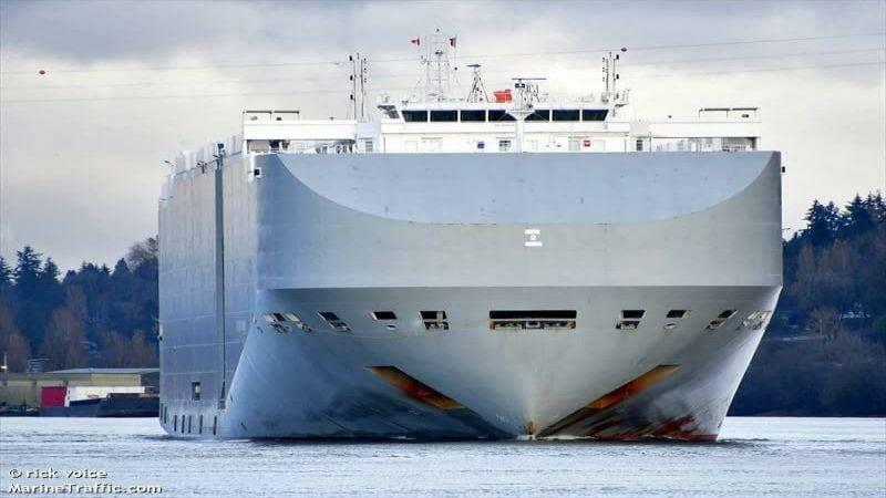 إستهداف سفينة إسرائيلية بالقرب من ميناء الفجيرة