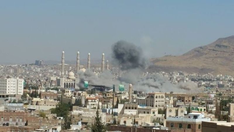 اليمن: العدوان السعودي يكثف غاراته على صرواح وصعدة